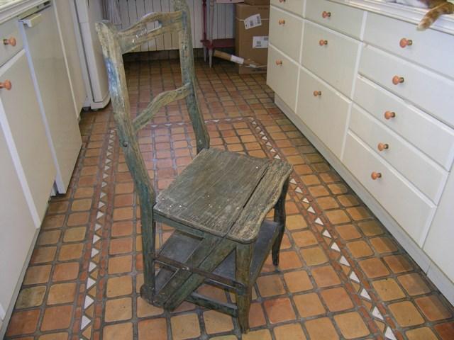 Chaise-Escabeau